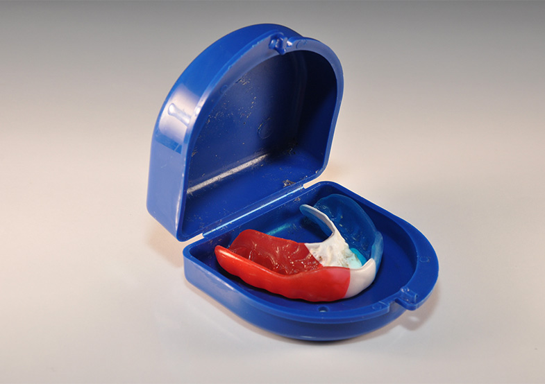 Athletic mouthguard case