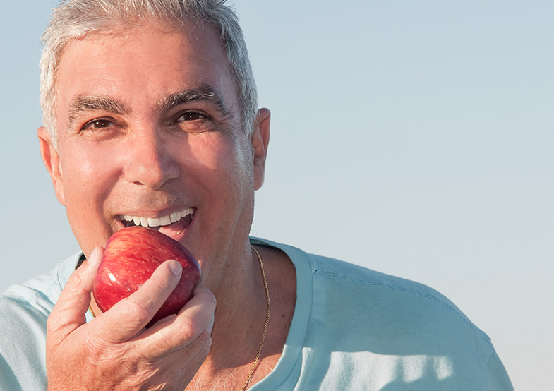 eating hard foods with dentures